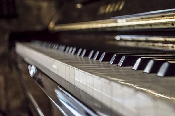 quién inventó el piano