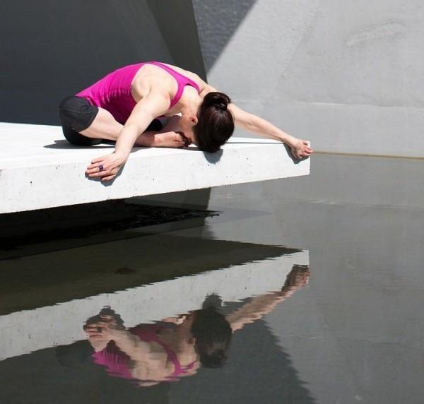 Yoga y canto - Deportes que te ayudan a cantar mejor