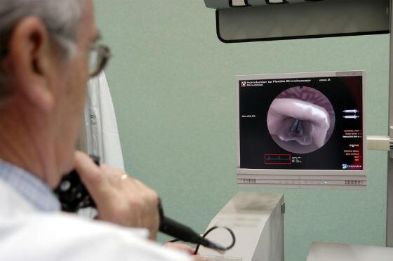 otorrinolaringologo trastornos voz diagnostico