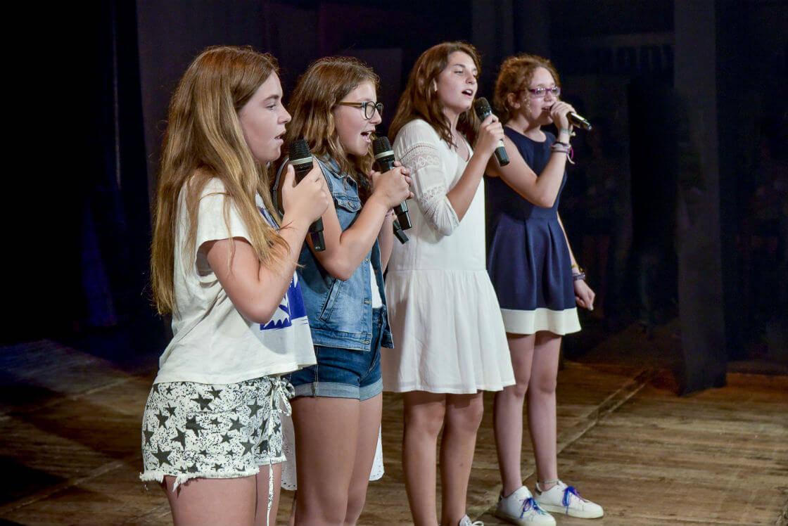 Canto con coreografía niños barcelona